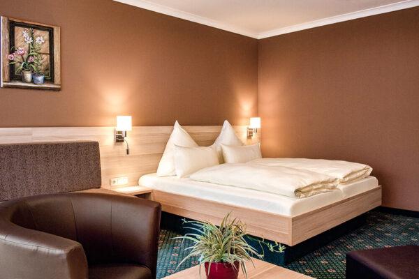 Krähennest Doppelzimmer exklusive Zimmeransicht Bett