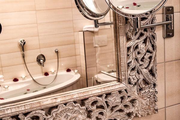 Krähennest Penthouse Suite Badezimmerspiegel